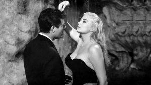 La Dolce Vita (1960) – Federico Felini